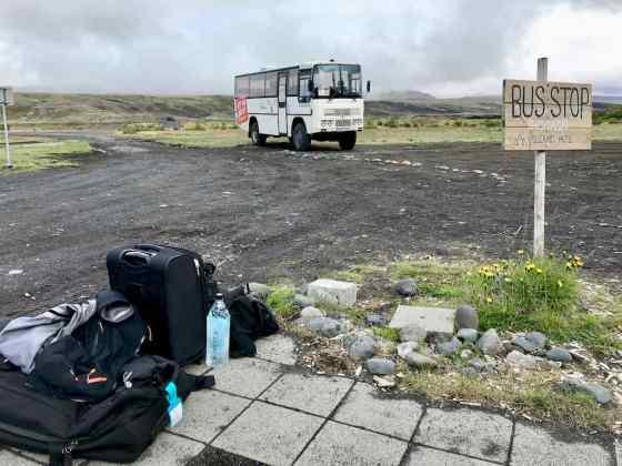 Le bus menant au Volcano hut à Porsmork