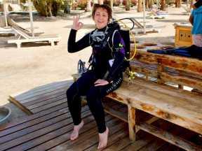 Hélène attend le début de la plongée