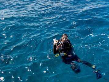Plonger avec le Gilet Rogue dans les eaux de la Jamaïque