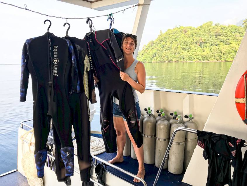 On a boat, how to easily get ready with your dive stuff in 5 steps