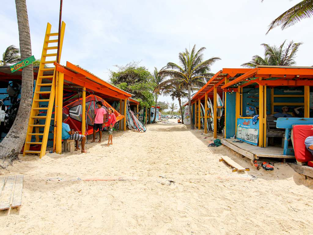 Le club de voile à l'est de l'île de Bonaire.