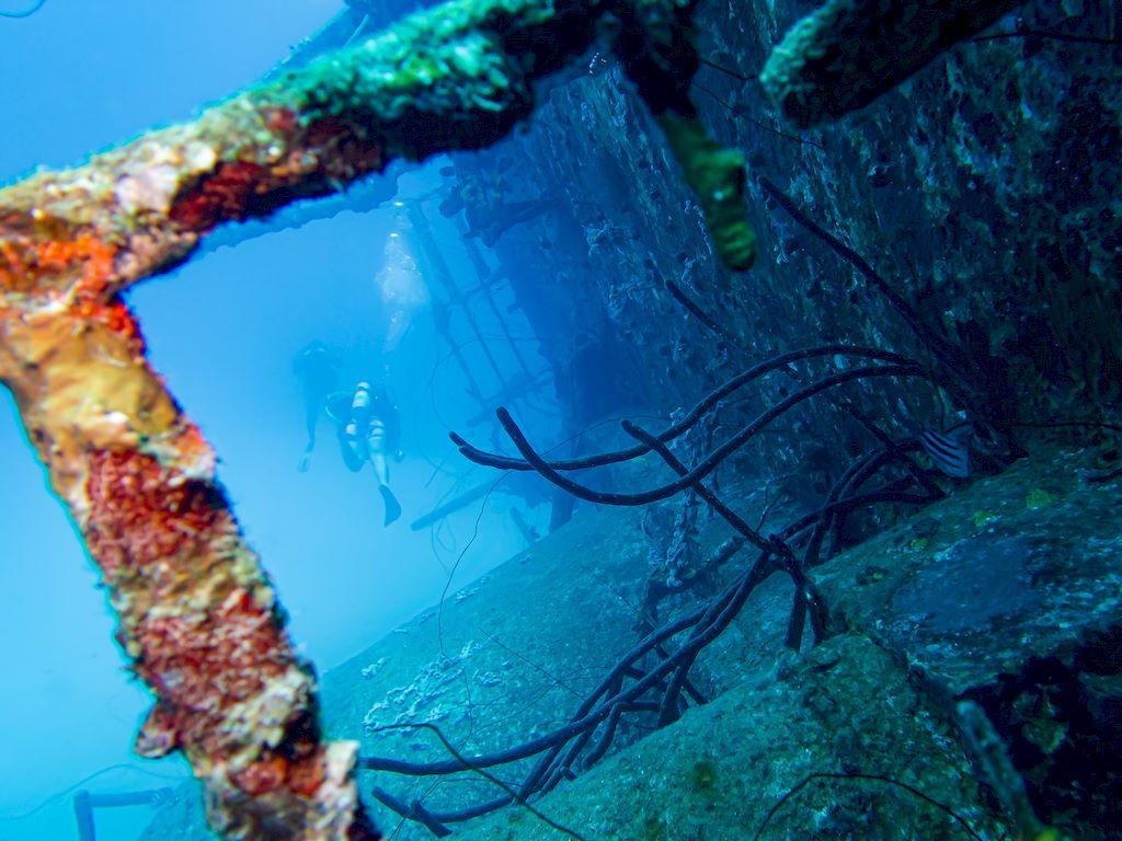 Exploration de l'épave Hilma Hooker à Bonaire