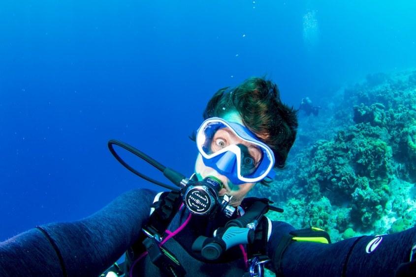 Hélène Adam sous l'eau lors de son trip plonger à Bonaire 2020