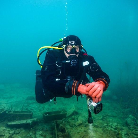 Pourquoi plonger ? Quelle motivation nait chez ce plongeur qui plonge ?
