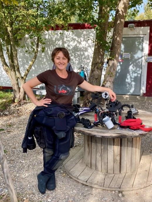 Hélène Adam prête à plonger à la Gravière du Fort.