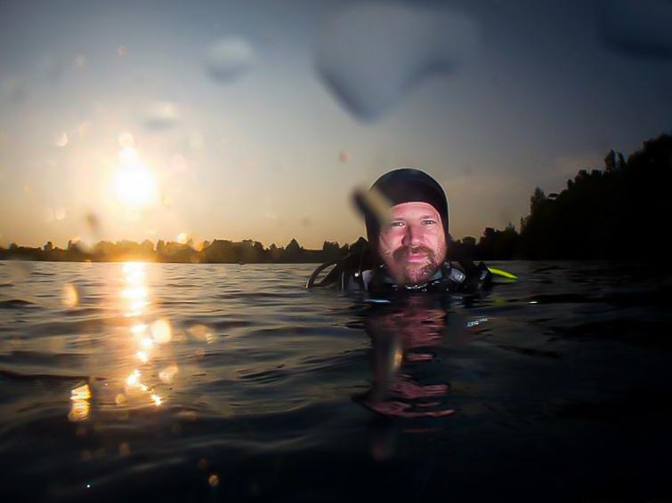 Christophe, miraculé du COVID en sortie de plongée.