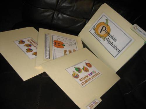 Guest blogger Amy Stout shows how to make your own fall fun folders with Halloween and Thanksgiving themes for kids with special needs.