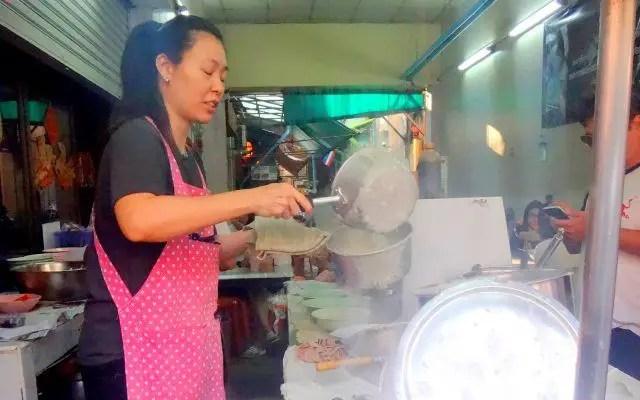 Jok Prince is one of the best cheap restaurants in Bangkok specialising in breakfast porridge.