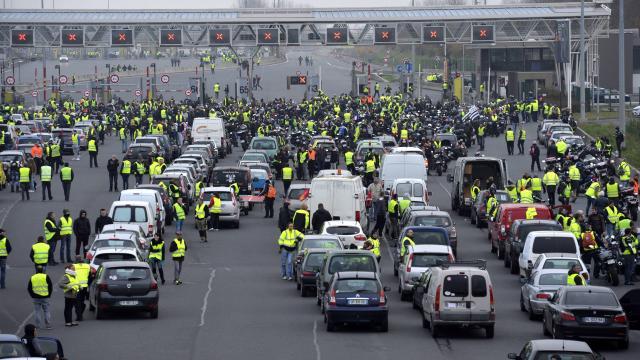 l 43 - 28 imágenes que muestran el drama de las protestas en Francia