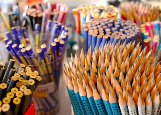 Utilar Magazine oferece grande variedade e ótimos preços em itens de material escolar