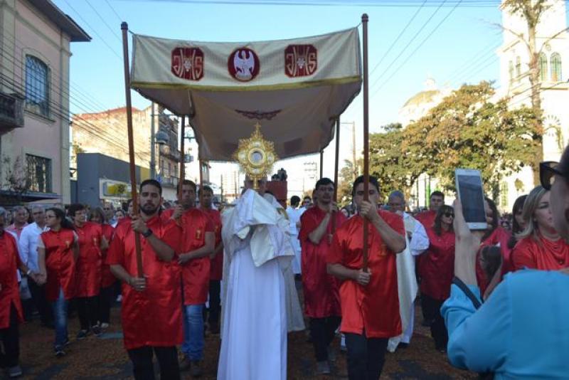 Procissão de Corpus Christi ocorre nesta quinta-feira à tarde na Avenida Rui Barbosa