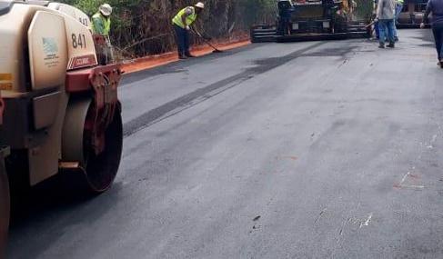 Secretaria de Planejamento, Obras e Serviços destaca cascalhamento na zona rural e novo asfalto no Jardim Europa