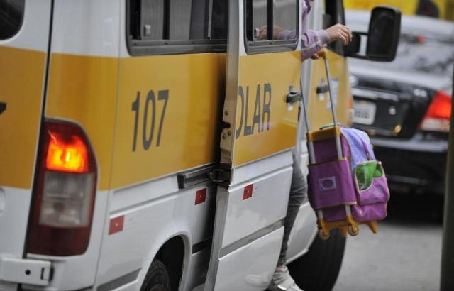 Polícia Militar intensifica fiscalização do transporte escolar em Assis