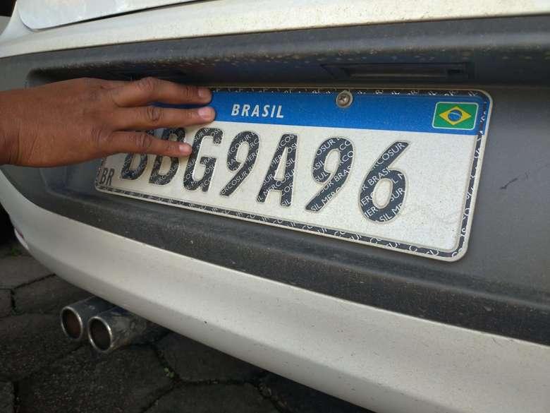 Emplacamento de veículos no padrão Mercosul começa a ser realizado em Assis