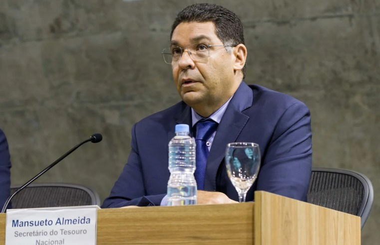 Brasil se prepara para 'lockdown' de três meses, diz Mansueto