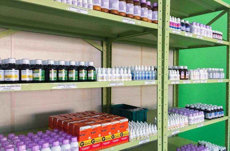 Dispensadoras de medicamentos estão abastecidas com 96% dos itens da rede