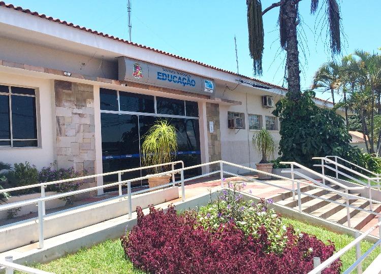 Prefeitura de Assis suspende aulas presenciais durante Fase Vermelha.