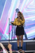 Alina Baraz stunned the audiance with her angelic voice on the Powerplant stage during the BUKU Music and Arts Festival on March 11, 2017.