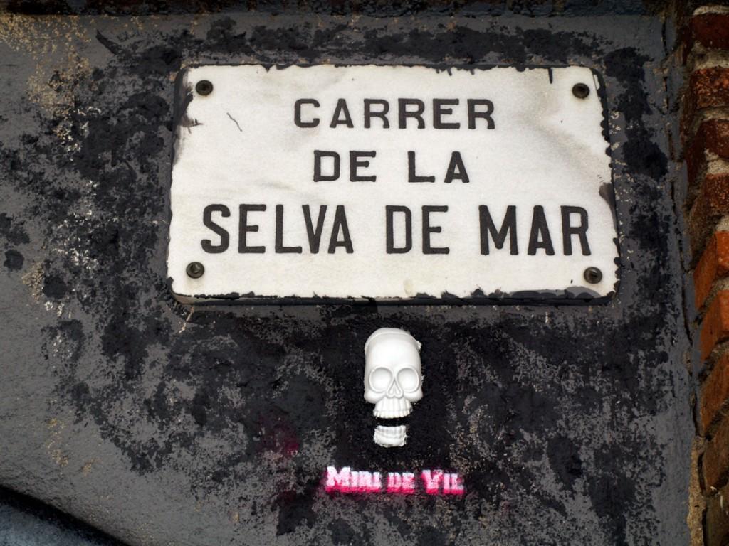 Arte urbano H.R. Giger ✙ Memoriam digerible