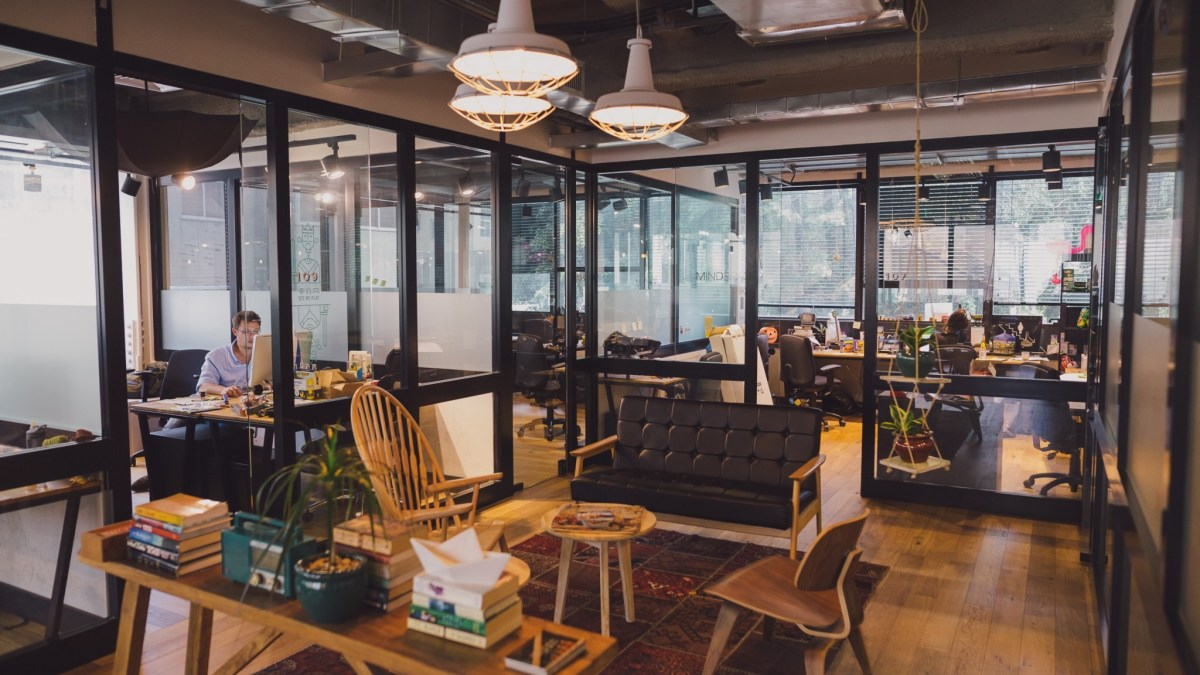 10 Affordable Coworking Spaces In Delhi Under 5K For Startups