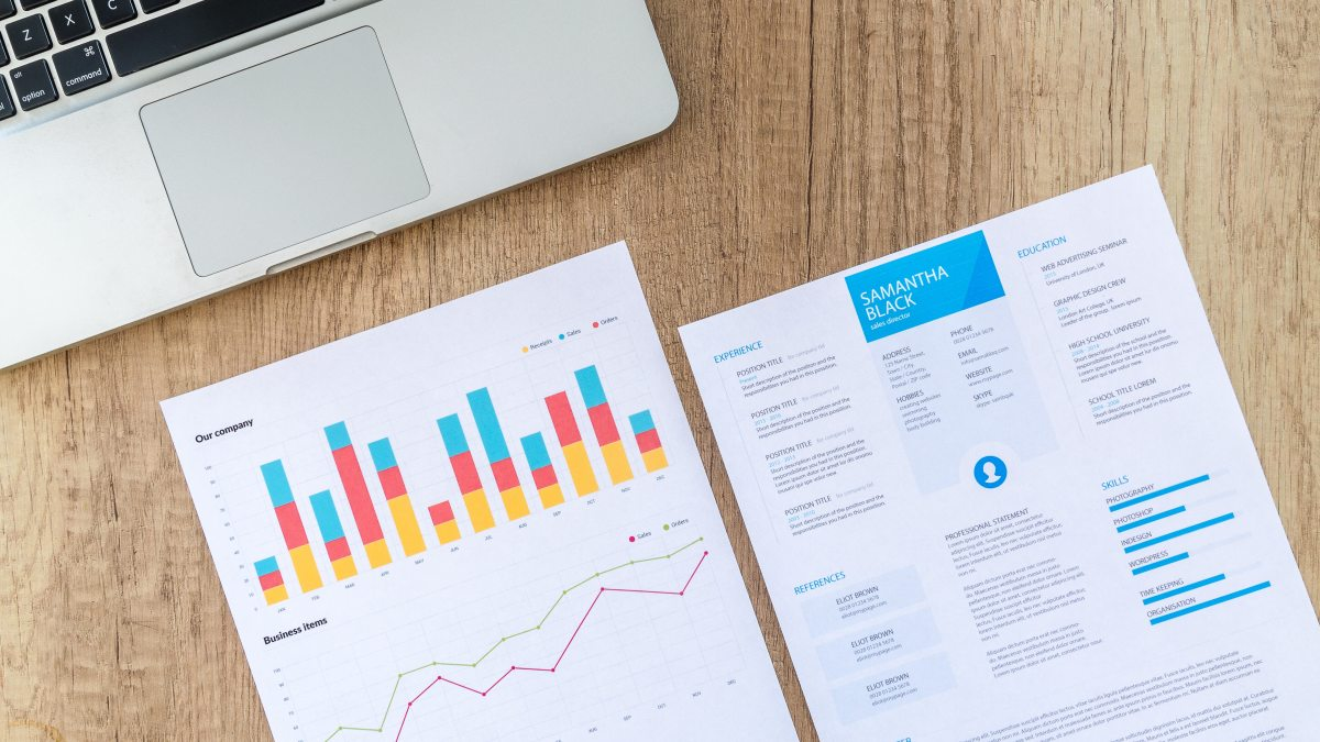Entrepreneur's Guide To Conduct An Extensive Startup Market Research