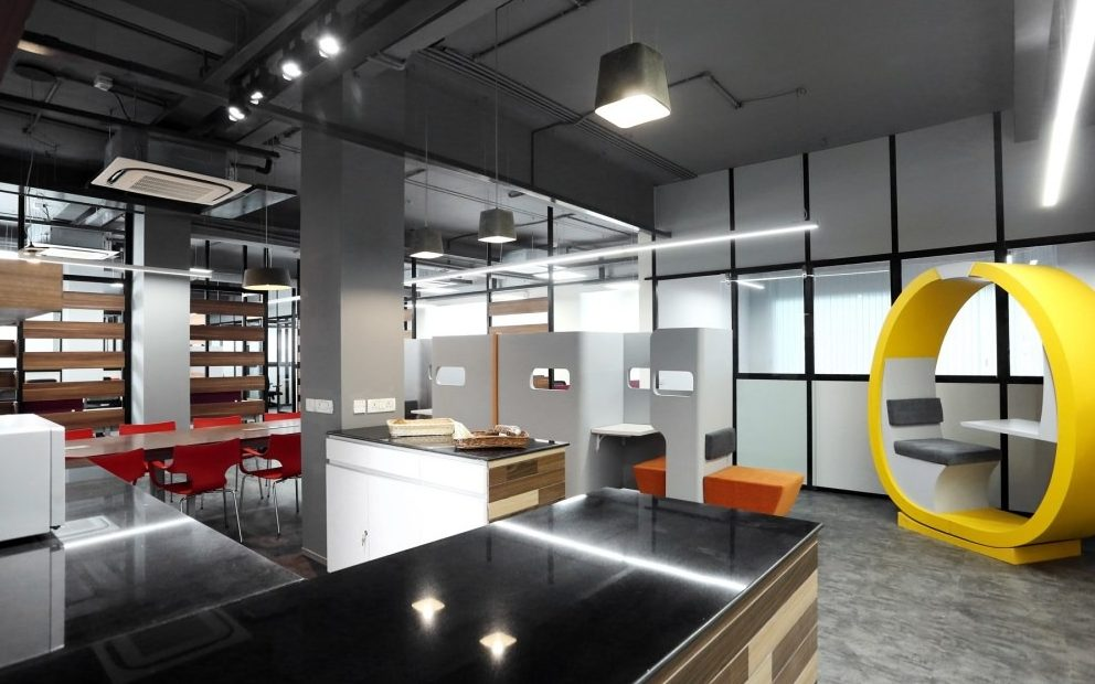 9 coworking spaces in South Mumbai for teams and businesses