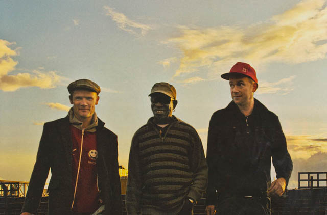 """Damon Albarn y Flea colaboraron con Tony Allen en su tema """"Go Back"""""""
