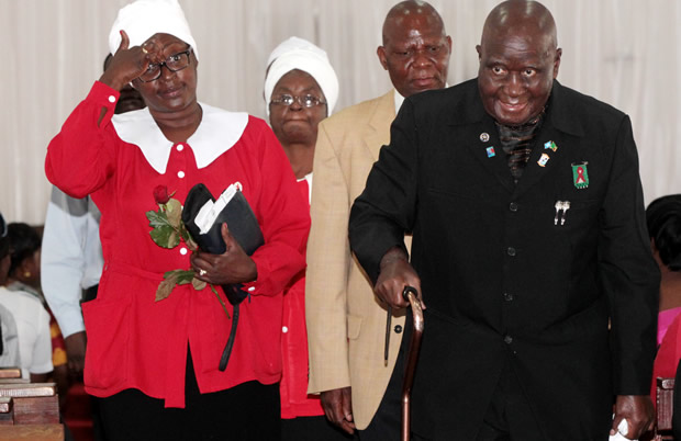 Dr Kenneth Kaunda with daughter Cheswa at Lusaka's St Pauls UCZ Church-Picture by Tenson Mkhala
