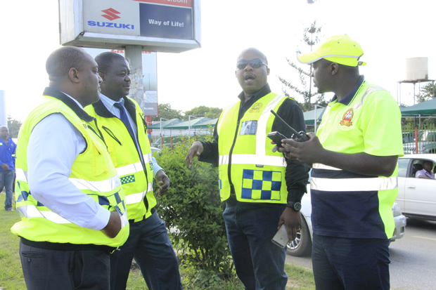 RTSA removing some billboards on Great East Road in Lusaka-picture by Tenson Mkhala