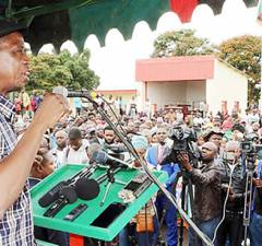 President Lungu addresses Solwezi residents – Picture by State House
