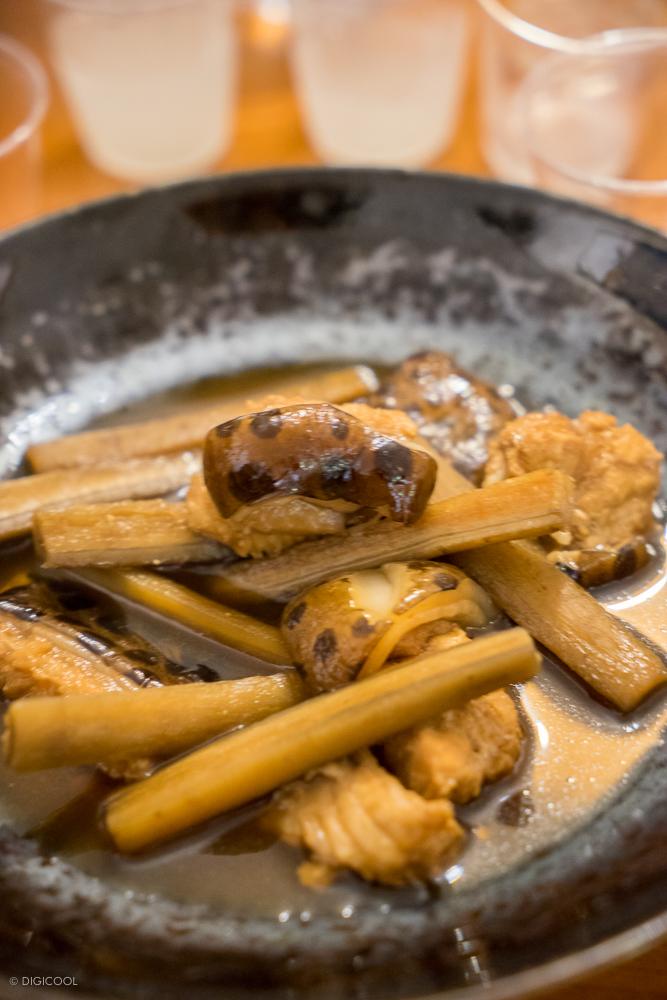 ウツボとごぼうの煮物