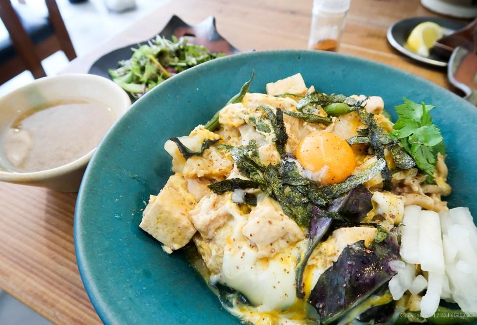 島野菜とやんばる鶏の沖縄チャンポン