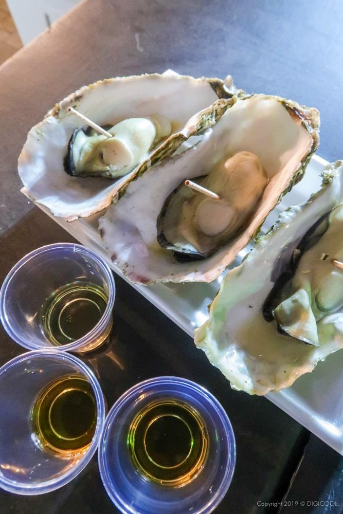 三陸の蒸し牡蠣