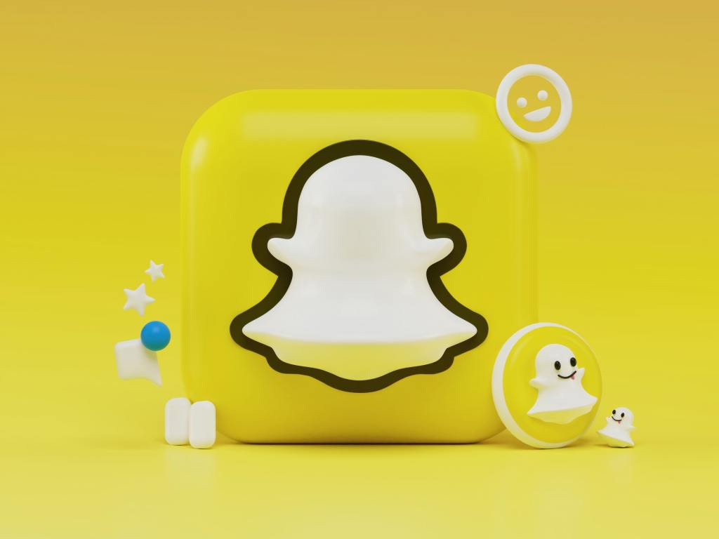 How to share a Tweet on Snapchat Story