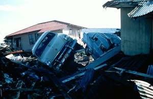 sempre distruzioni nelle Hawaii causate da Tsunami