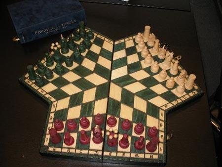 3人で遊べるチェス
