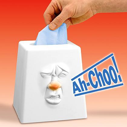 あなたの代わりにくしゃみをしてくれる「Talking Tissue Box」