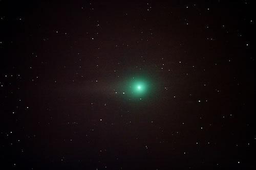 今すぐ夜空を見上げよう。本日、ルーリン彗星が地球に最接近!