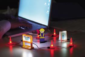 ウィズ、パソコン周りを工事中にできる『USB工事現場』を発売