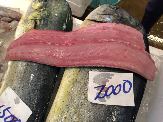 report-131109-nagahama-sengyo-market10