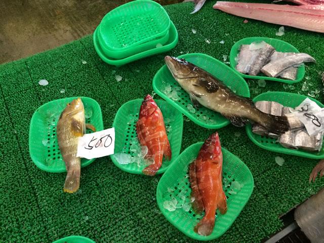 report-131109-nagahama-sengyo-market13