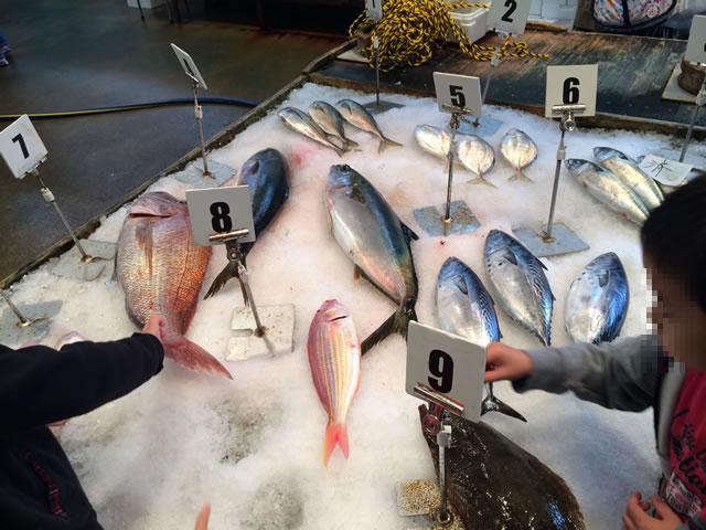 report-131109-nagahama-sengyo-market19