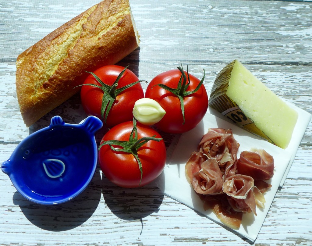 All you need for Pan Con Tomate