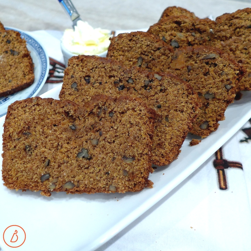 Use butternut squash puree in place of pumpkin for a delicious butternut squash snack cake. Recipe ideas and more at diginwithdana.com
