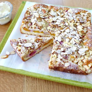 Peach Raspberry Crumble Cake at diginwithdana.com