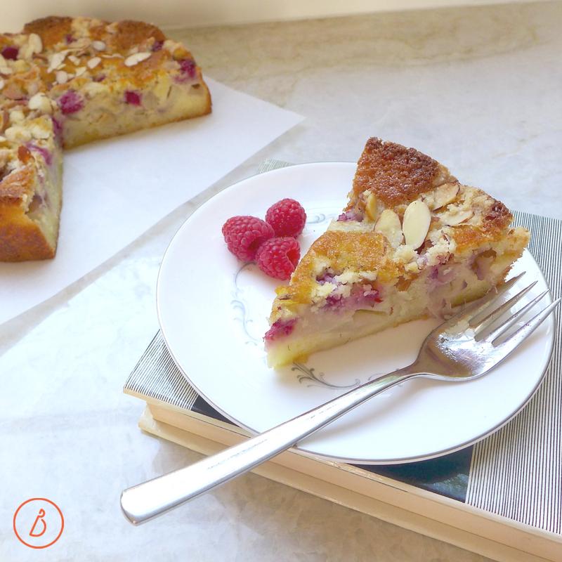 Simple and elegant, White Peach and Raspberry Crumble Cake at diginwithdana.com