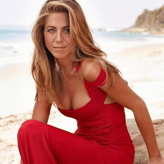 F.R.I.E.N.D.S Reunion: Oh, Jennifer Aniston. 17 Years Later Still Young!!