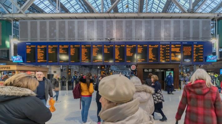 Glasgow Central train station information board