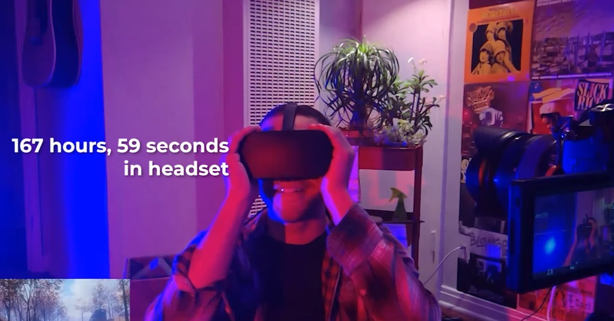 Man Spends a Whole Week Using a Virtual Reality Headset
