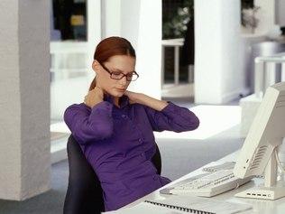 ergonomia-no-escritorio-digitador-ergonomics